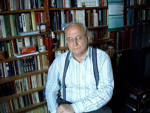 http://kuvaldn-nu.narod.ru/yuriykuvaldin-foto/kuvaldin-1-R.jpg