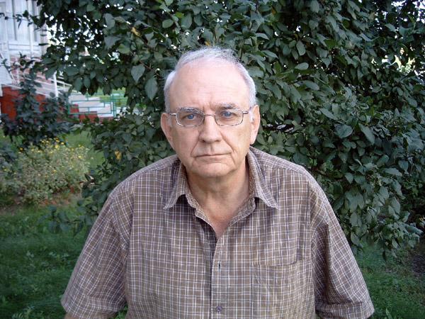 http://kuvaldn-nu.narod.ru/yuriykuvaldin-foto/kuvaldin-2-R.jpg